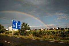 Regenboog over Mochov Stock Fotografie