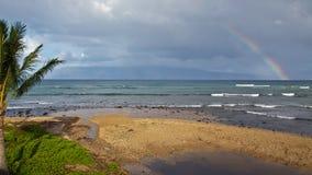 Regenboog over Molokai royalty-vrije stock foto's