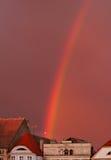 Regenboog over oude stad Royalty-vrije Stock Afbeelding