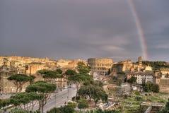 Regenboog over Rome Royalty-vrije Stock Foto's