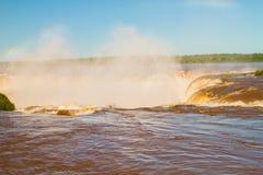 Regenboog over Waterval Royalty-vrije Stock Afbeeldingen