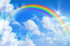 Regenboog tegen de hemel stock foto's
