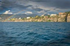 Regenboog van Amalfi kust Stock Foto