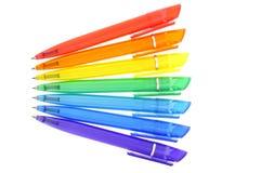 Regenboog van gekleurde pennen royalty-vrije stock afbeelding