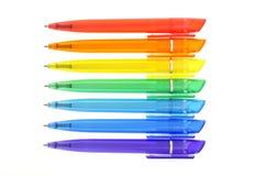 Regenboog van gekleurde pennen royalty-vrije stock foto's