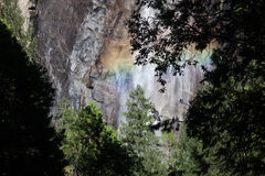 Regenboog in Yosemite royalty-vrije stock fotografie