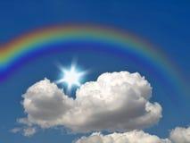 Regenboog, zon en wolk Stock Foto