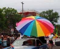 Regenboogparaplu in Pride Parade Edmonton 2018 Royalty-vrije Stock Afbeelding