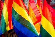 Regenboogvlaggen voor verkoop vorig aan de Stad Pride Parade van New York Royalty-vrije Stock Afbeelding