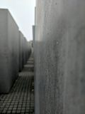 Regendruppels op Holocaustmonument Royalty-vrije Stock Foto