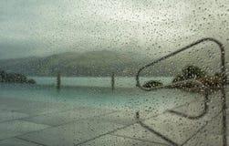 Regendruppels op venster 4 Royalty-vrije Stock Afbeeldingen