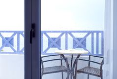 Regendruppels op vensterglas stock afbeeldingen