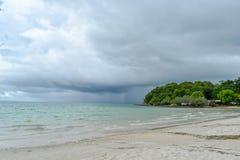 Regenonweer van het overzees stock afbeelding