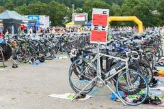 Regensburg, Bayern, Deutschland am 6. August 2017 28. Regensburg-Triathlon 2017, laufend fährt in den Darstellungsbereich rad Lizenzfreie Stockbilder