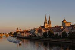 Regensburg en el ocaso fotografía de archivo libre de regalías