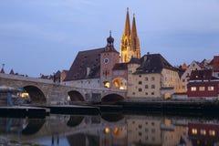 Regensburg en la oscuridad Imágenes de archivo libres de regalías
