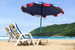 Regenschirm auf dem Strand Lizenzfreie Stockfotografie