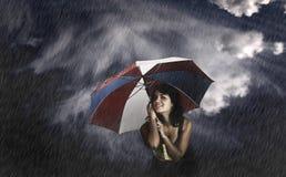 Regenschirm-Frau lizenzfreie stockfotos