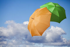 Regenschirm im Himmel Lizenzfreies Stockfoto
