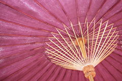 Regenschirme hergestellt vom Bambus Stockfoto