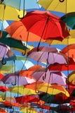 Regenschirme Madrid, Getafe, Spanien Stockbilder