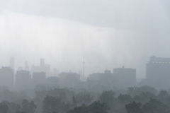 Regensturm über Toronto stockfotografie