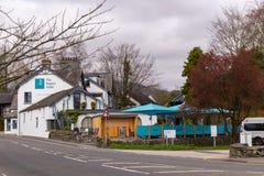 Regent hotel w ambleside na bankach Jeziorny Windermere w Jeziornym Gromadzkim parku narodowym Zdjęcia Royalty Free