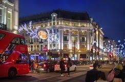 Regent Street Londra ottiene la decorazione di Natale Vie meravigliosamente accese con le luci, Londra Fotografia Stock