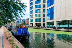 Regentkanal mit Booten Stockfotos