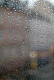 Regentropfen auf dem Fenster Lizenzfreies Stockfoto