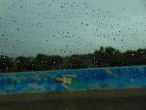 Regentropfen auf einer Meerjungfrau Lizenzfreie Stockbilder