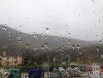 Regentropfen auf Fenster Lizenzfreies Stockbild