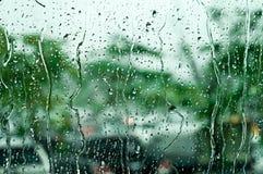 Regentropfen auf Fensterglas, Hintergrund Lizenzfreie Stockfotografie