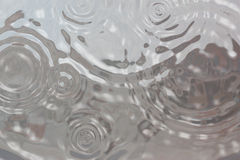 Regentropfenhintergrund Stockfotos