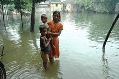Regenursachenwasser, das Kolkata anmeldet Lizenzfreie Stockfotografie