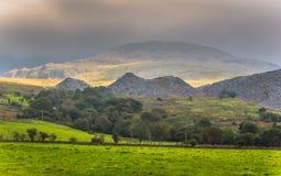 Regenwolken über Snowdonia Stockbild