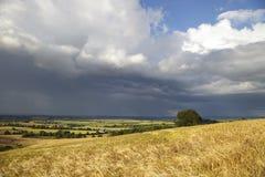Regenwolken über Warwickshire, England Lizenzfreies Stockfoto