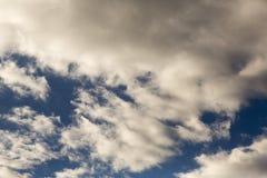 Regenwolken, die vom Horizont kommen lizenzfreie stockfotografie