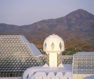 Regenwoud en het leven kwarten van Biosfeer 2 in Oracle in Tucson, AZ royalty-vrije stock foto