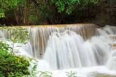 Regenwoudwaterval in Thailand Royalty-vrije Stock Afbeelding