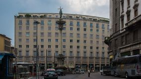 Regeringbyggnad i milan fotografering för bildbyråer