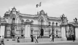 Regerings- slott på Plaza de Armas Fotografering för Bildbyråer