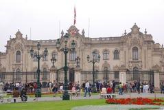 Regerings- slott på Plaza de Armas Royaltyfri Foto