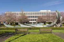 Regeringskantoren en openbaar park Salem Oregon Stock Afbeeldingen