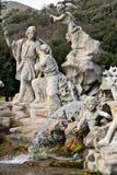 Reggia二卡塞尔塔,意大利 10/27/2018 有雕塑的喷泉在白色大理石 图库摄影