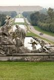 Reggiadi Caserta, Itali? 10/27/2018 De pools van de grote fontein in het park stock fotografie