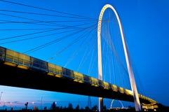 Reggio Emilia, bruggen Italië - Calatrava bij nacht Royalty-vrije Stock Foto