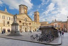 REGGIO EMILIA, ITALIEN - APRIL 13, 2018: Piazza del Duomo fyrkant arkivfoto
