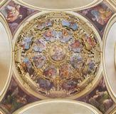 REGGIO EMILIA, ITALIEN - APRIL 12, 2018: Sidokupolen i den kyrkliga Tempio dellaen Beata Vergine della Ghiara Fotografering för Bildbyråer