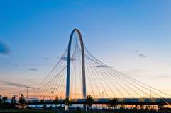 Reggio Emilia, Italien-- Calatrava Brücken an der Dämmerung Stockbilder